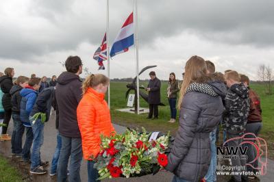 15-04-2016 Adoptie oorlogsmonument Drostenweg in Doornspijk - ©NWVFoto.nl