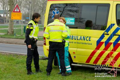 06-04-2016 Scooter berijder komt ten val - ©NWVFoto.nl