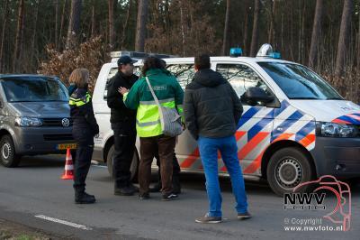 29-03-2016 lijk gevonden in bossen bij Nunspeet - ©NWVFoto.nl