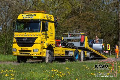 05-05-2015 Ongeval tussen twee auto's op de Bovenweg 't Harde - ©NWVFoto.nl