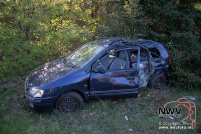 Twee auto's van de weg bij ongeval A28 Re 78.3 't Loo Oldebroek 08-05-2016 - ©NWVFoto.nl