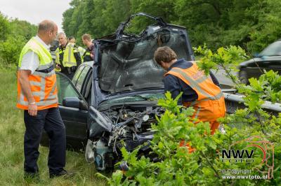 Drie gewonden bij aanrijding tussen een personenauto met vrachtwagen A28 Re 79,5 Wezep 20-05-2016. - ©NWVFoto.nl