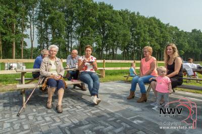 Opening ijsboerderij De Rozenhoeve aan het fietspad langs de Stadsweg op 't Harde - ©NWVFoto.nl
