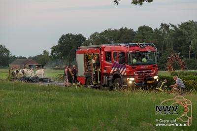 Brand bijgebouw Glindeweg Doornspijk blijkt stapeltje afvalhout. - ©NWVFoto.nl