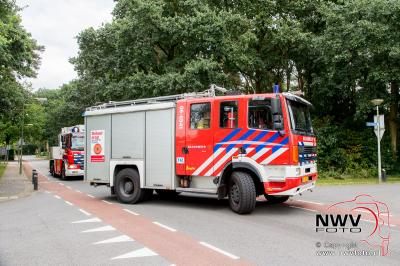 Stormschade Ten Passeweg 't Harde gevaarlijk hangende tak. - ©NWVFoto.nl