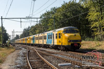 Apekop maakt voor laatste maal stop  op station 't Harde. - ©NWVFoto.nl