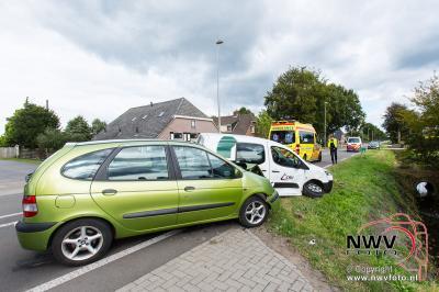 Automobilist ziet tegenligger over het hoofd tijdens het afslaan. - ©NWVFoto.nl
