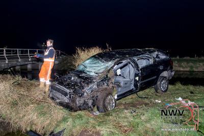 Eenzijdig ongeval met taxi op de  Oosterweg in Oldebroek. - ©NWVFoto.nl
