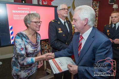 Koninklijke Onderscheiding voor Dries Bos tijdens bindingsavond. - ©NWVFoto.nl