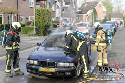 Auto vat spontaan vlam Lange Wijden Elburg. - ©NWVFoto.nl