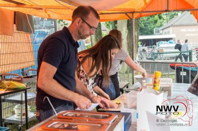 Sfeermarkt tijdens Oostendorperdagen op zaterdag. - ©NWVFoto.nl