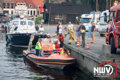 Gezamenlijke inzet oefening op de rondvaartboot.  - ©NWVFoto.nl