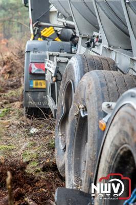 Berging van vrachtwagen A28 Re 67.7 tussen Nunspeet en 't Harde. - ©NWVFoto.nl