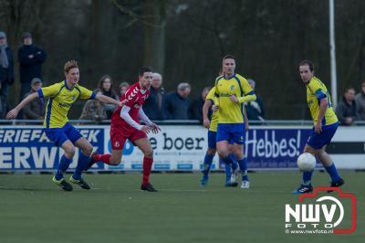 Nunspeet verliest na rode kaart. - ©NWVFoto.nl