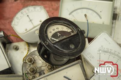 Veron elektronica vlooienmarkt in het MFC Aperloo op 'tHarde. - ©NWVFoto.nl