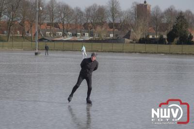 Eindelijk schaatsen op de nieuwe ijsbaan van IJsclub TG Elburg  - ©NWVFoto.nl