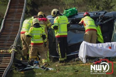 Vrouw zat tijd lang bekneld, na eenzijdig ongeval. - ©NWVFoto.nl