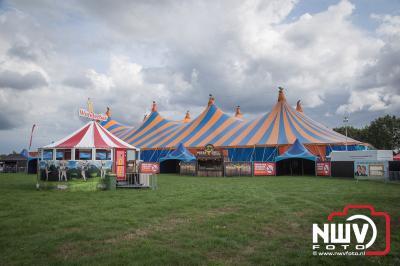 Opbouw van het Mega Piraten Festijn evenement vrijdagmiddag Koeleweg Oldebroek. - ©NWVFoto.nl