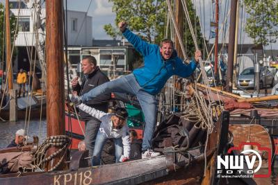 Terugkerende botters in haven van Elburg na bedrijven wedstrijd tijdens de Botterdagen op vrijdag.  - ©NWVFoto.nl
