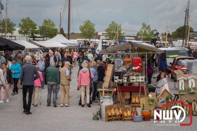 Gezellige drukte zaterdag rond de haven tijdens de Botterdagen en open monumentendag. - ©NWVFoto.nl