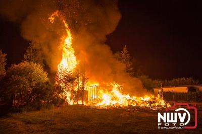 Brand legt stacaravan volledig in as op camping De Roskam in Doornspijk - ©NWVFoto.nl