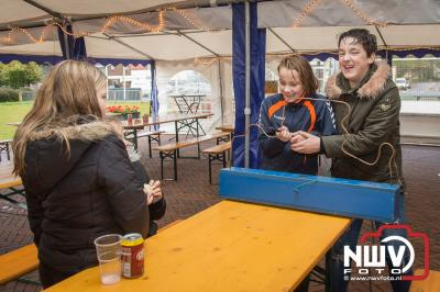 Muziek, kraampjes, hapjes, sport en spel de ingrediënten voor 'tHare in beweging. - ©NWVFoto.nl