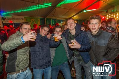 Karbietfeest 2.0 was weer een geweldig eindejaar feest aan de Stoopschaarweg in Elburg. - ©NWVFoto.nl