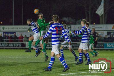 ElburgSC laat punten liggen in derby tegen Owios, door met 2-4 op eigen veld te verliezen. - ©NWVFoto.nl