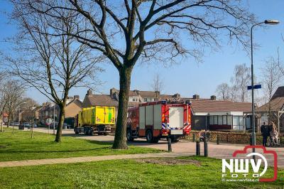 Brandweer inzet voor brandje in container van vuilniswagen op 't Harde. - ©NWVFoto.nl