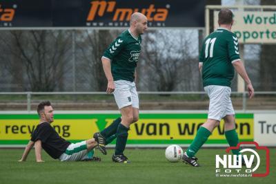 De voetbal wedstrijd voor Spieren voor Spieren op het Owios veld is geëindigd in een gelijkspel 8-8 - ©NWVFoto.nl