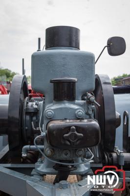 Veluwse toertocht met oldtimer tractoren door gemeente Elburg en Oldebroek. - ©NWVFoto.nl