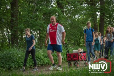 Wandelaars van de avondwandel 4 daagse in Doornspijk hadden op de eerste avond zich geen mooier weer kunnen wensen. - ©NWVFoto.nl