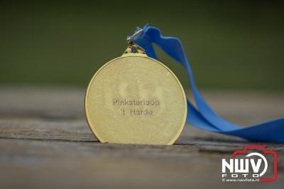 Pinsterloop over landgoed Zwaluwenburg op 't Harde. - ©NWVFoto.nl
