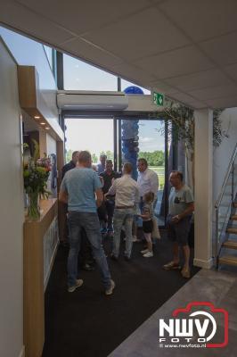 Op vrijdag 21 juni opende Jan Bakker zijn nieuwe kantoor met bedrijfshallen op bedrijventerrein H2O in Wezep, met op zaterdag een open dag. - ©NWVFoto.nl