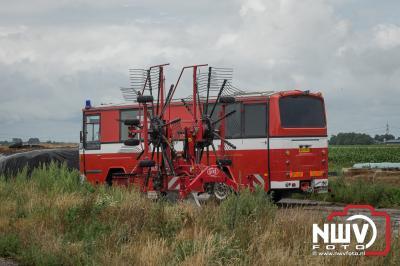 Schuur vat vlam door hooibroei en is gedeeltelijk verloren gegaan. - ©NWVFoto.nl