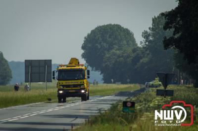 Door dat een oudere dame vermoedelijk onwel was geraakt tijdens het afslaan heeft zij een ongeval veroorzaakt. - ©NWVFoto.nl