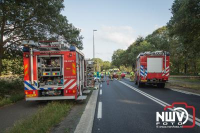 Veel inzet van hulpdiensten bij het ongeval op de N309 Eperweg 't Harde. - © NWVFoto.nl
