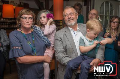 Onderscheiding Officier in de Orde van Oranje-Nassau voor Johan Beun. - ©NWVFoto.nl