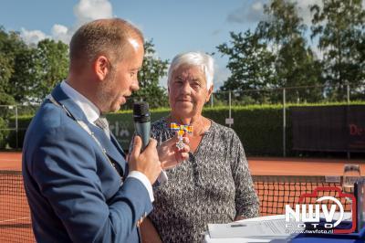 Onderscheiding Lid in de Orde van Oranje-Nassau voor Wil Schouwstra. - ©NWVFoto.nl
