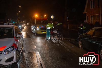 Voetganger gewond na aanrijding door auto op voetpad op de Eperweg N309 tHarde t.h.v. de Elim kerk. - ©NWVFoto.nl