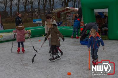 Veel bezoekers tijdens de eerste Mid Winter in Oosterwolde. - ©NWVFoto.nl