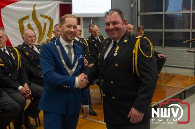 Koninklijke onderscheiding aan 11 Elburger brandweermannen uitgereikt.  - ©NWVFoto.nl