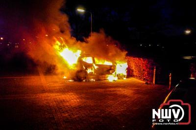 Kortsluiting vermoedelijk  oorzaak autobrand Zwolscheweg Elburg - ©NWVFoto.nl