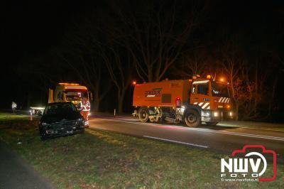 Meerdere personen voor controle naar het ziekenhuis, na ongeval met twee auto's op de Wolberg N309. - ©NWVFoto.nl