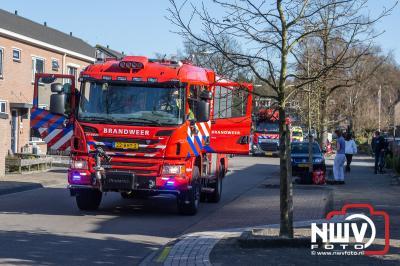 Bewoner met brandwonden met spoed naar het ziekenhuis. - ©NWVFoto.nl