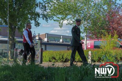Door de gemeente Elburg en de Oranje vereniging werden kransen gelegd zonder publiek op het monument in het dorp. - ©NWVFoto.nl