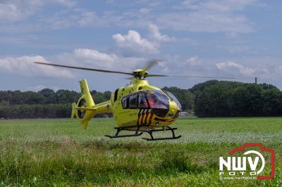 Traumahelikopter ter plaatse bij ongeval wielrenner Kolmansweg Nunspeet - © NWVFoto.nl
