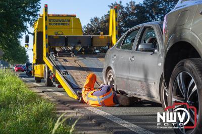 Bestuurder naar het ziekenhuis na dat hij achter op de voor hem rijdende auto knalde. - ©NWVFoto.nl