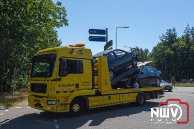Bestuurster kan na onderzoek in ambulance zelf haar weg vervolgen, na ongeval op de Eperweg en afrit A28 in Nunspeet - ©NWVFoto.nl