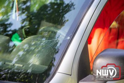 Hoge gras mogelijk oorzaak van ongeval auto, fietser in Doornspijk - © NWVFoto.nl